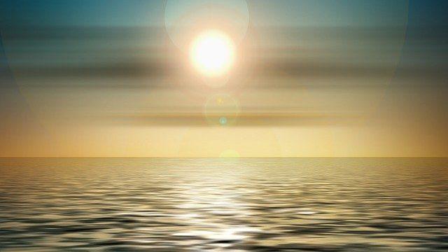 水平線と太陽