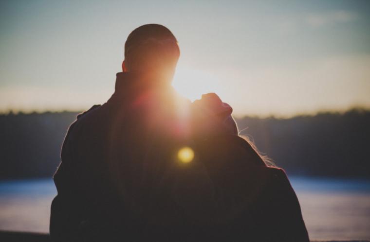 太陽と男女
