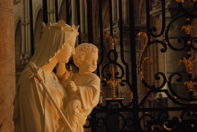 慈悲のマリア像